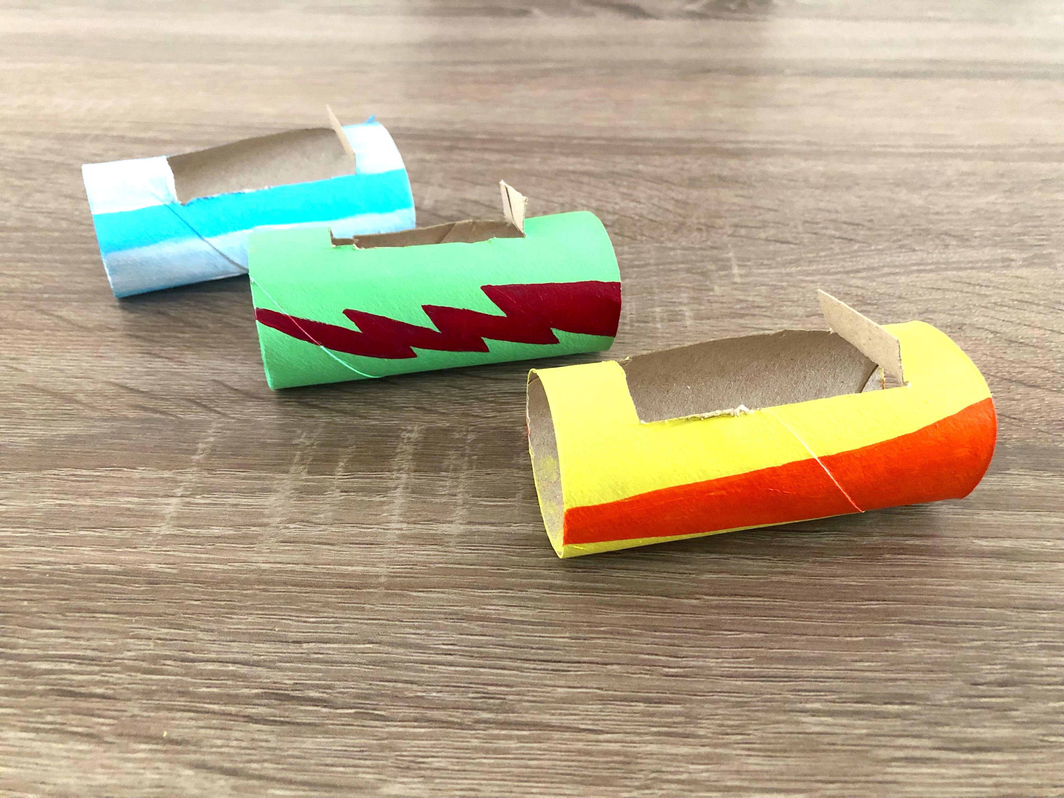Rollos de papel higiénico pintados