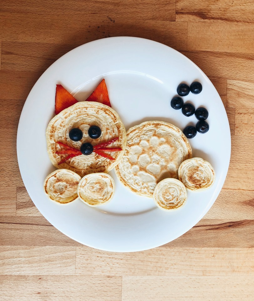 Cat shaped pancake for kids