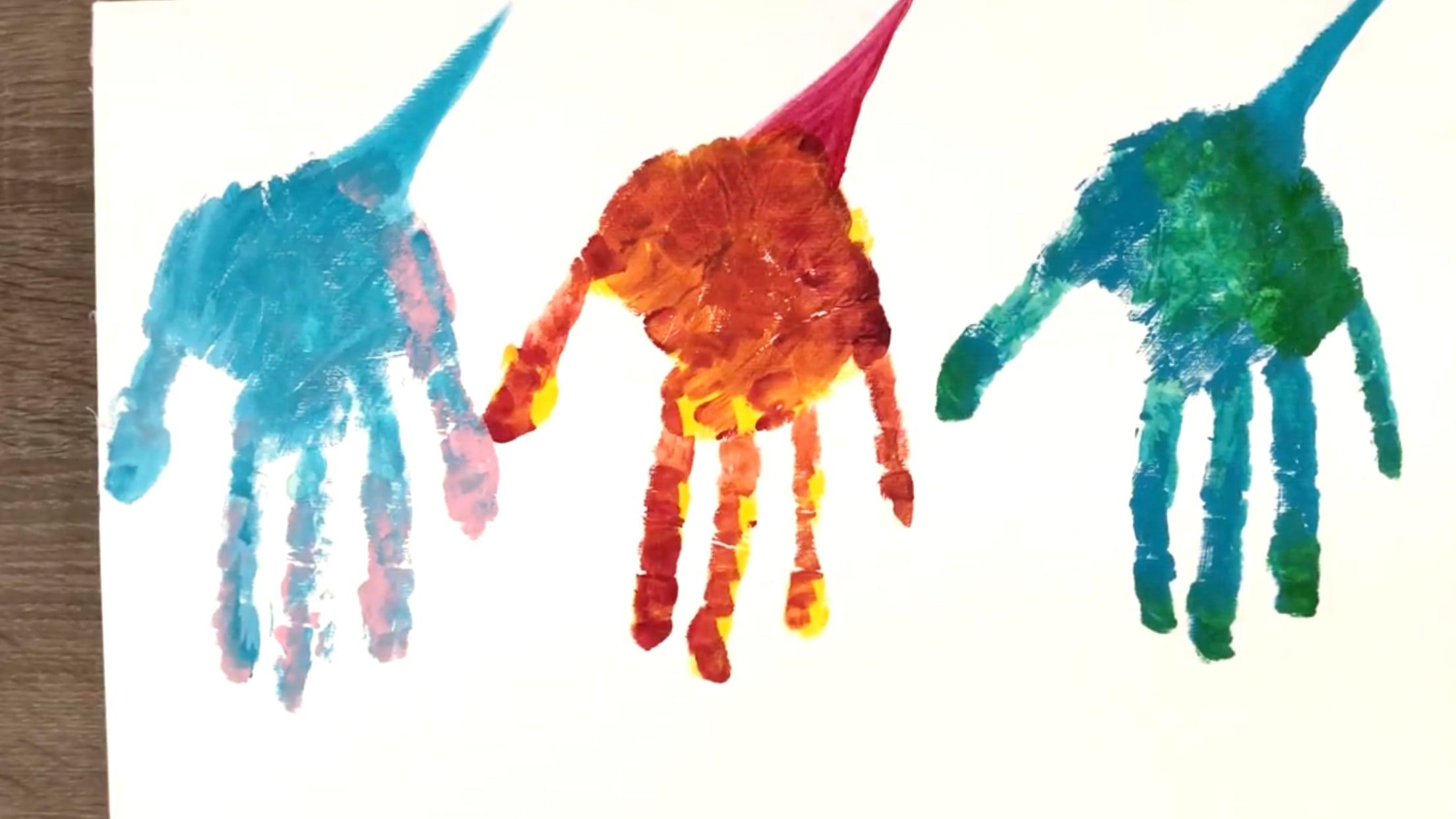 Dinosaurios de pintura con la cola