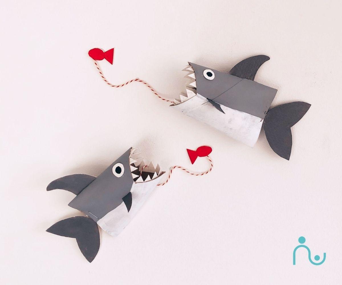 Tiburón con rollos de papel higiénico