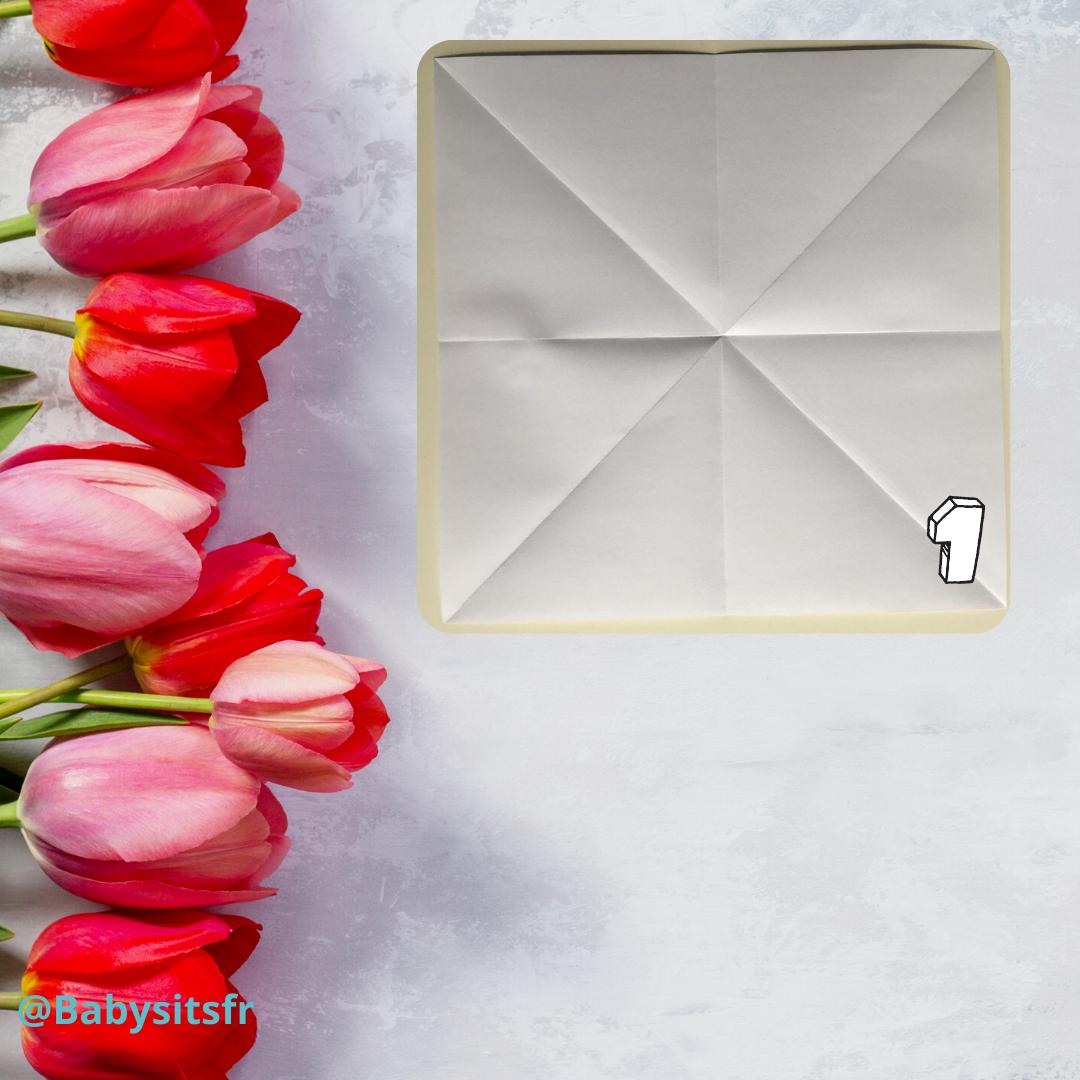 Tulipes en origami étape 1