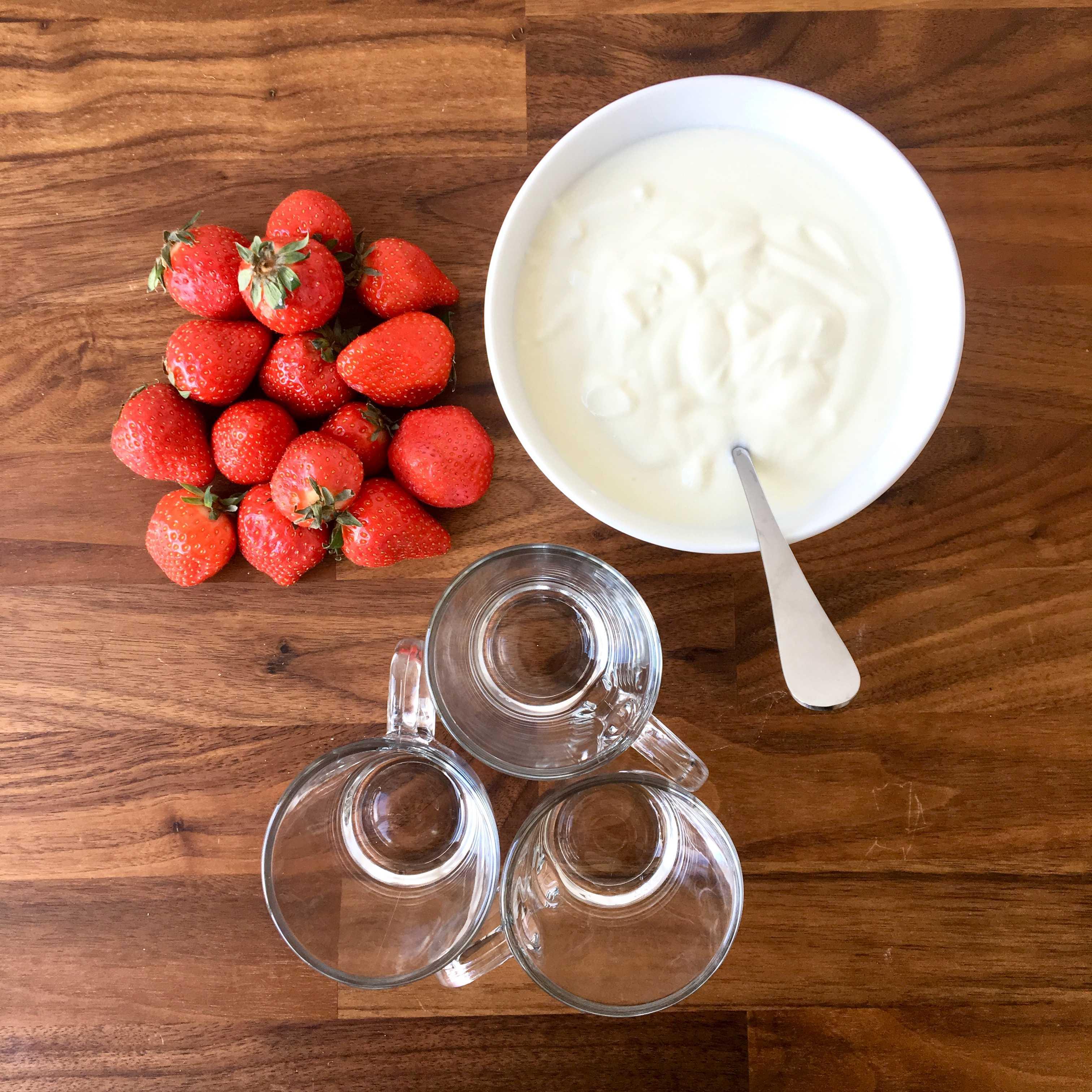 Ricette per bambini: Yogurt con fragole e cereali