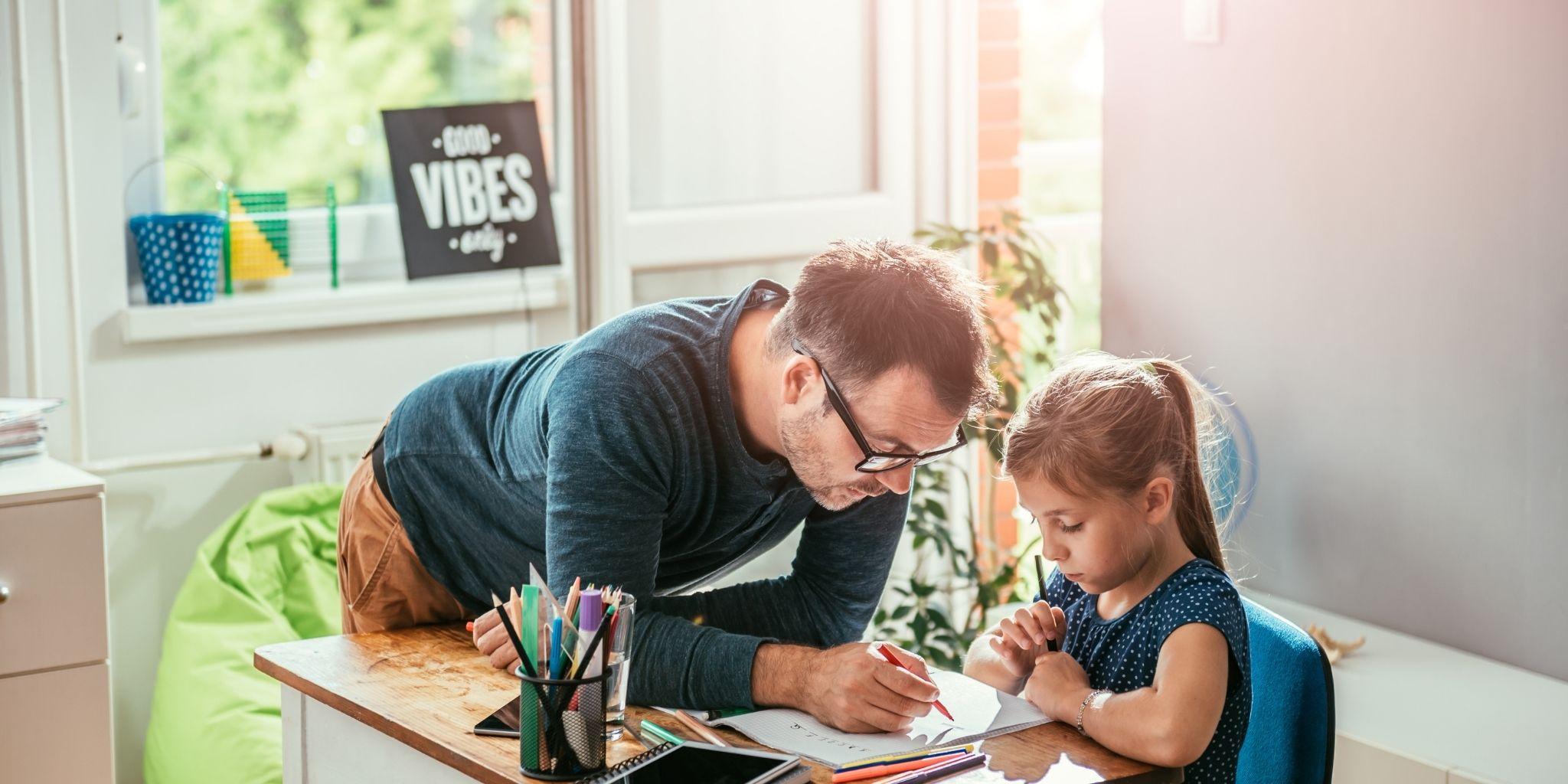 Costo baby sitter: considera l'aiuto compiti