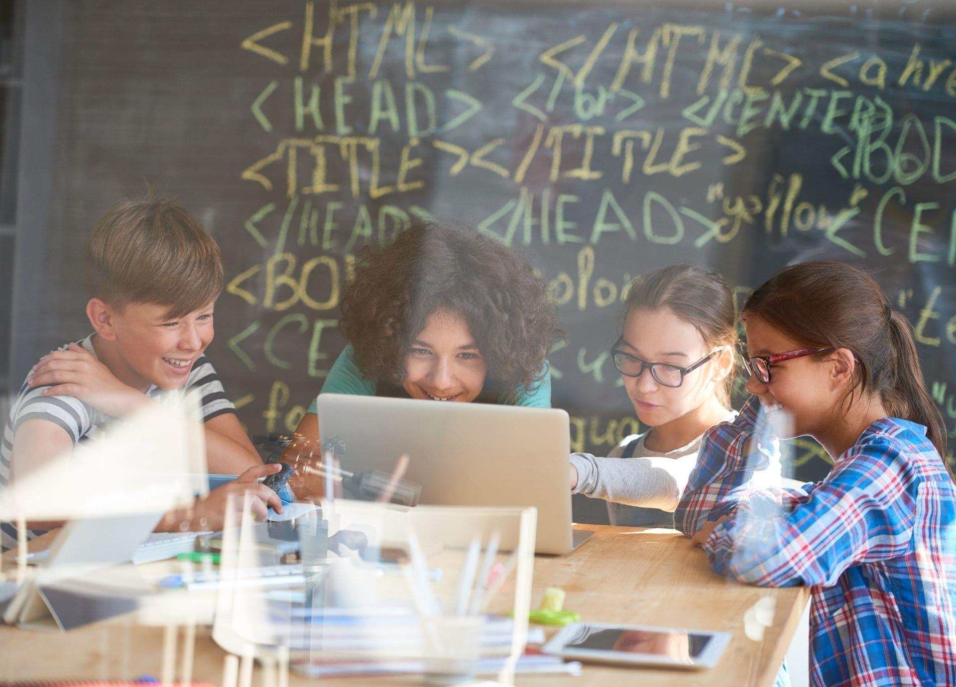 barn som programmerer