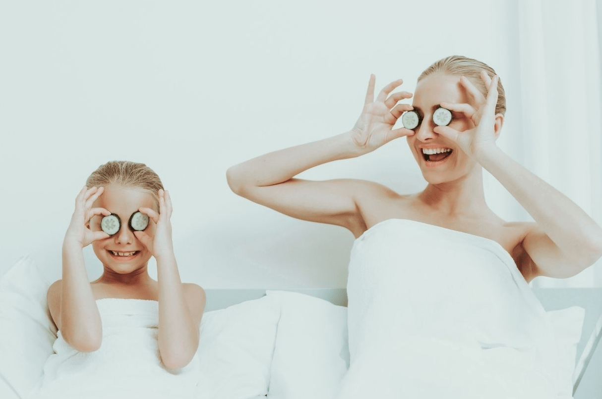 home spa mother and daughter