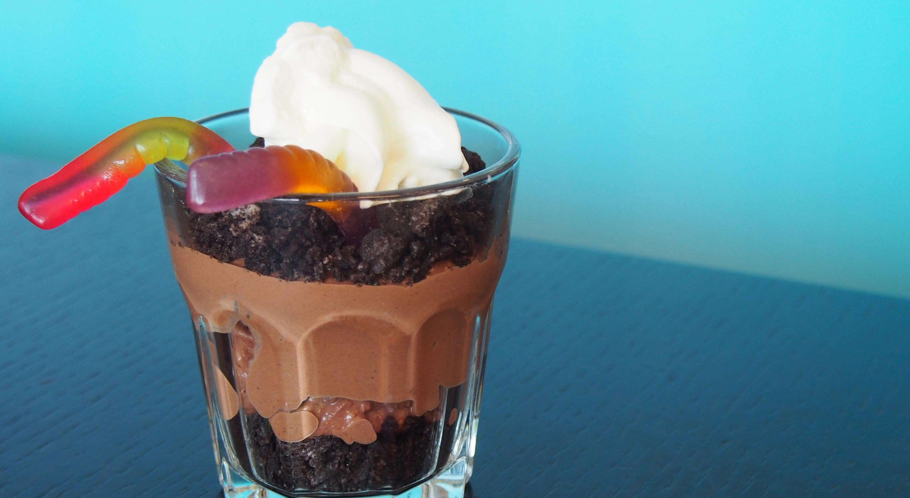 "Amerikanischer ""Dirt Pudding Cup"""