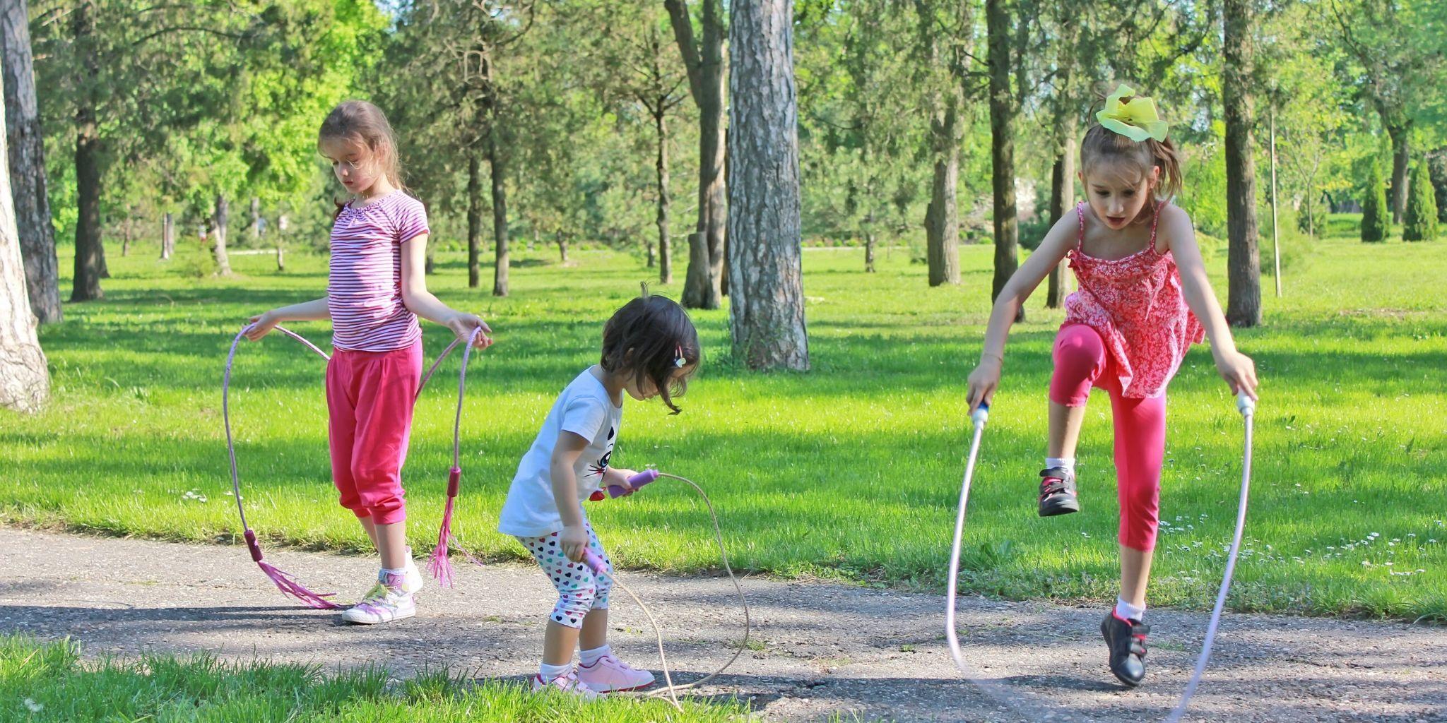 Lustige Routine-Übungen für Kinder