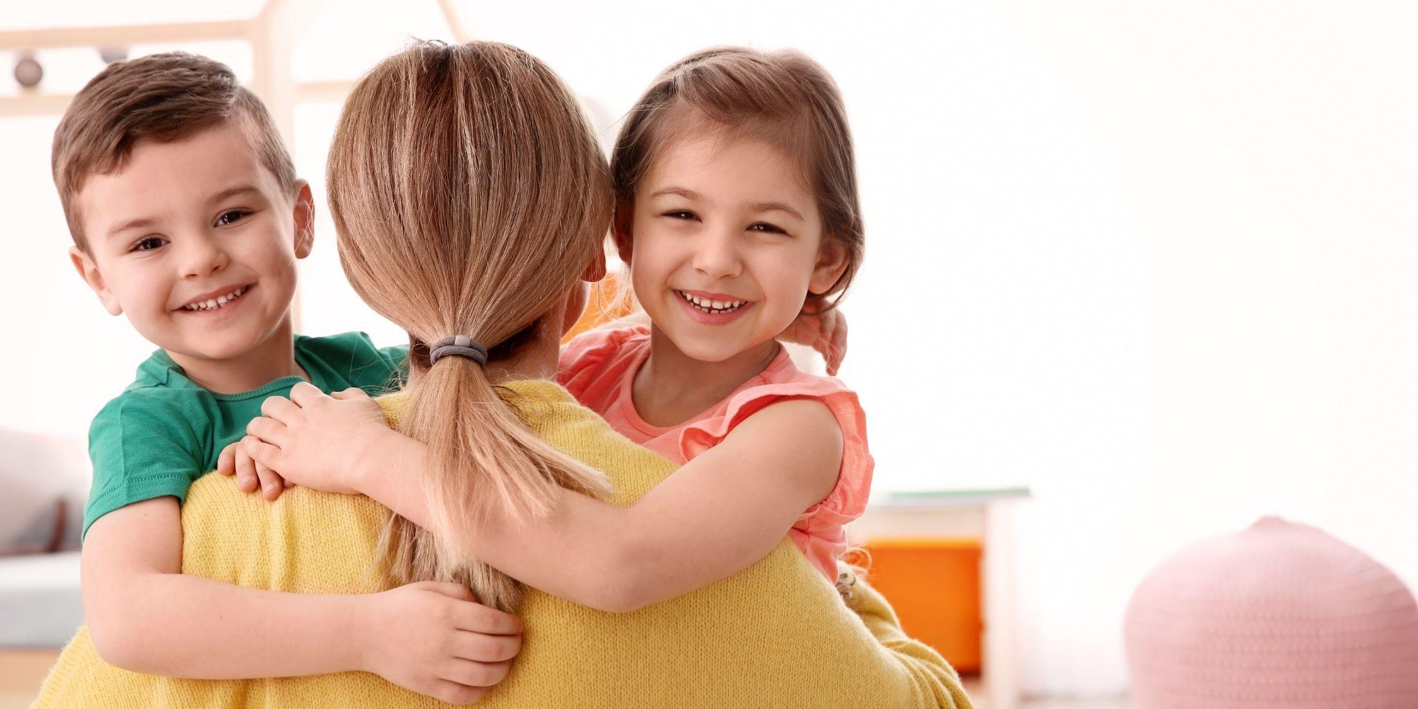 Wer ist eine Nanny und was ist der Unterschied zu einem Babysitter?
