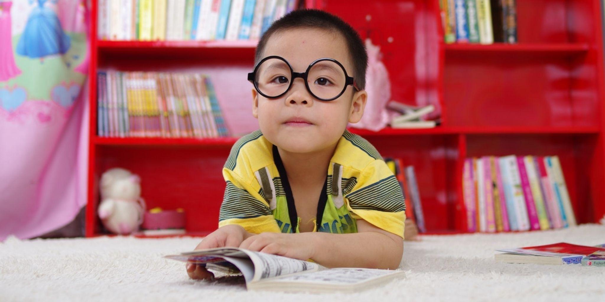 Kids bookshelf ideas: how to set up a bookshelf for kids