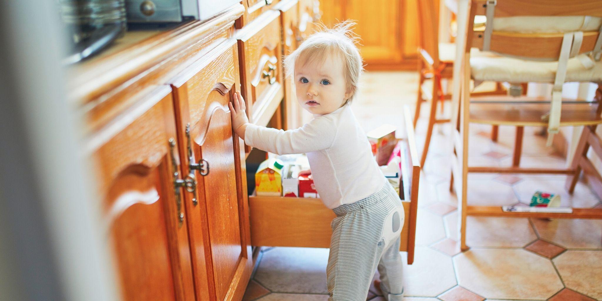 Casa a prueba de niños: cómo mantener a su hijo seguro