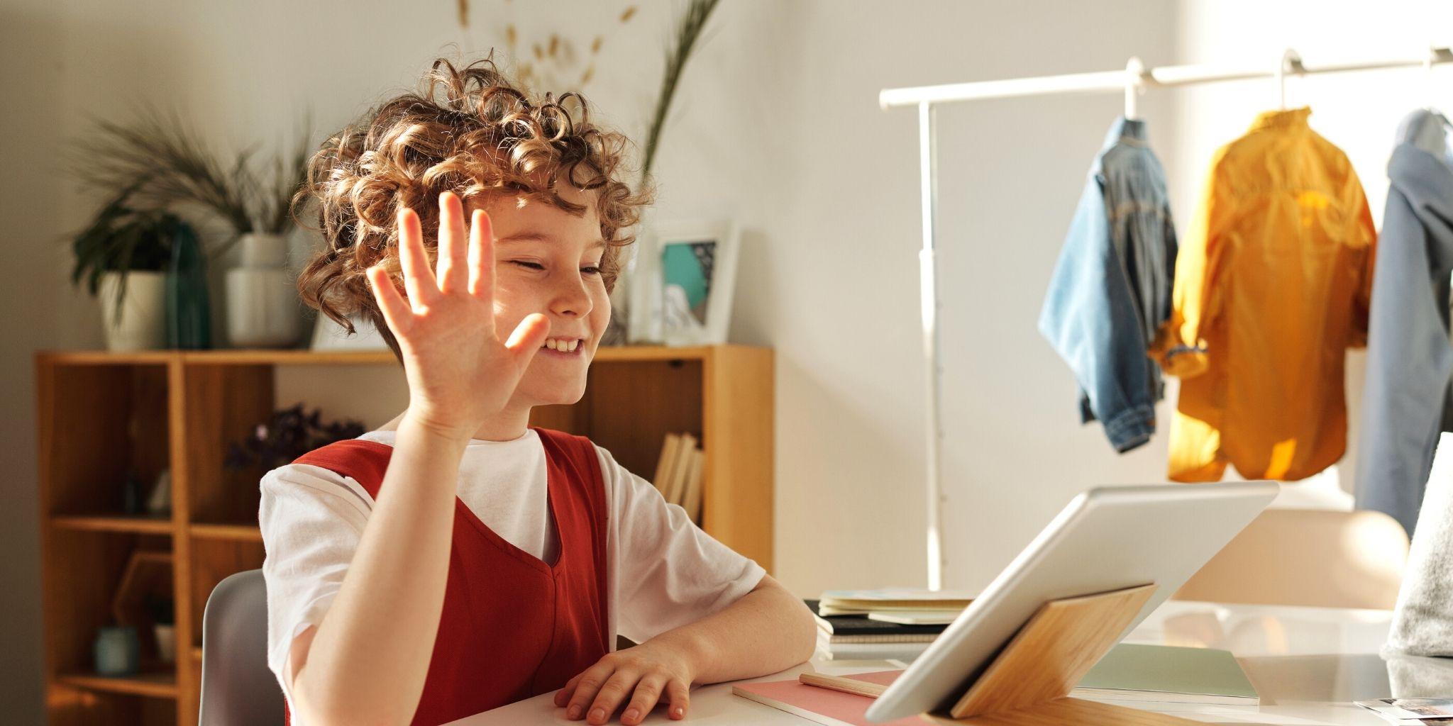 Consejos para una cita exitosa de niñera virtual