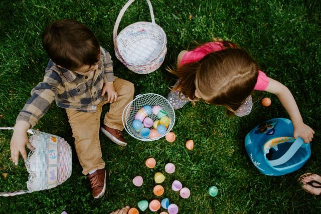Manualidades de Pascua - Huevos de Pascua de lana y papel maché