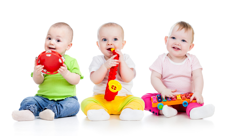 Miten hoitaa pientä vauvaa tai taaperoa