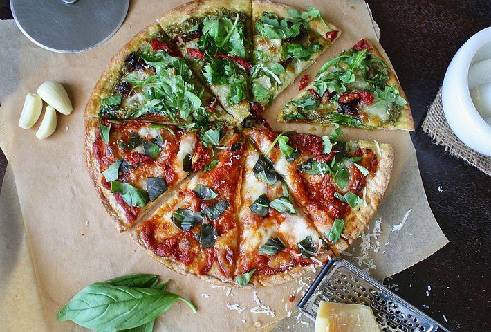 Faire manger des légumes aux enfants : l'astuce des pizzas