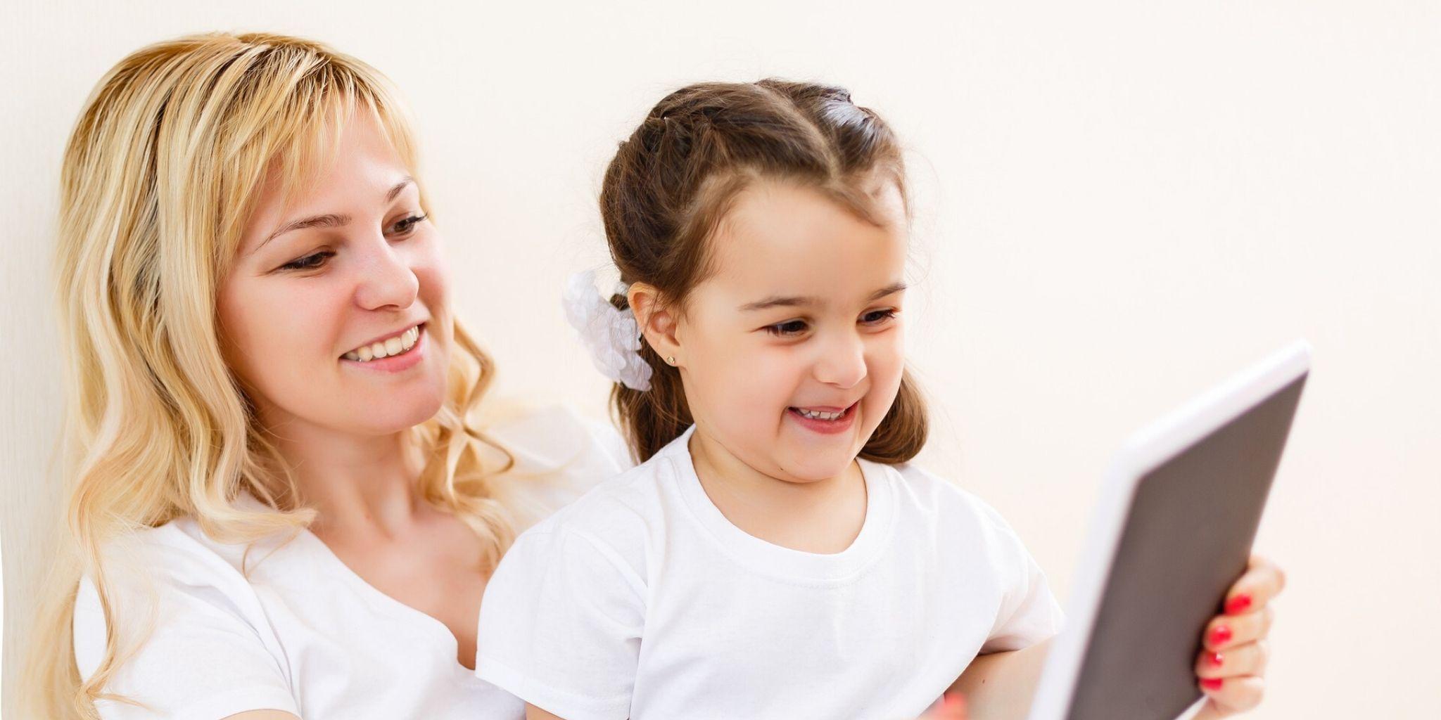 Az online biztonságról való tanítás gyermekeknek