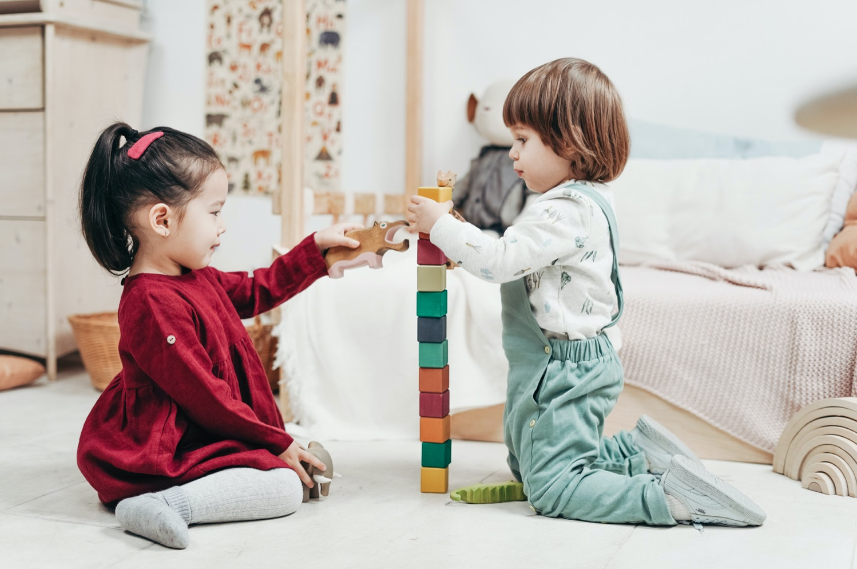 La guida che raggruppa tutti i giochi per bambini suddivisi per età