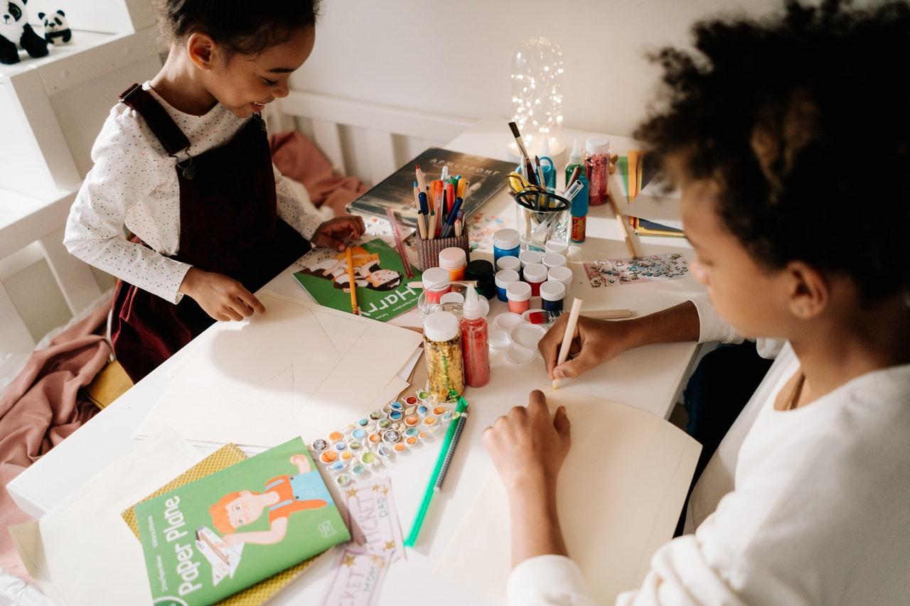 Kunst als therapie: de voordelen van kunst voor kinderen
