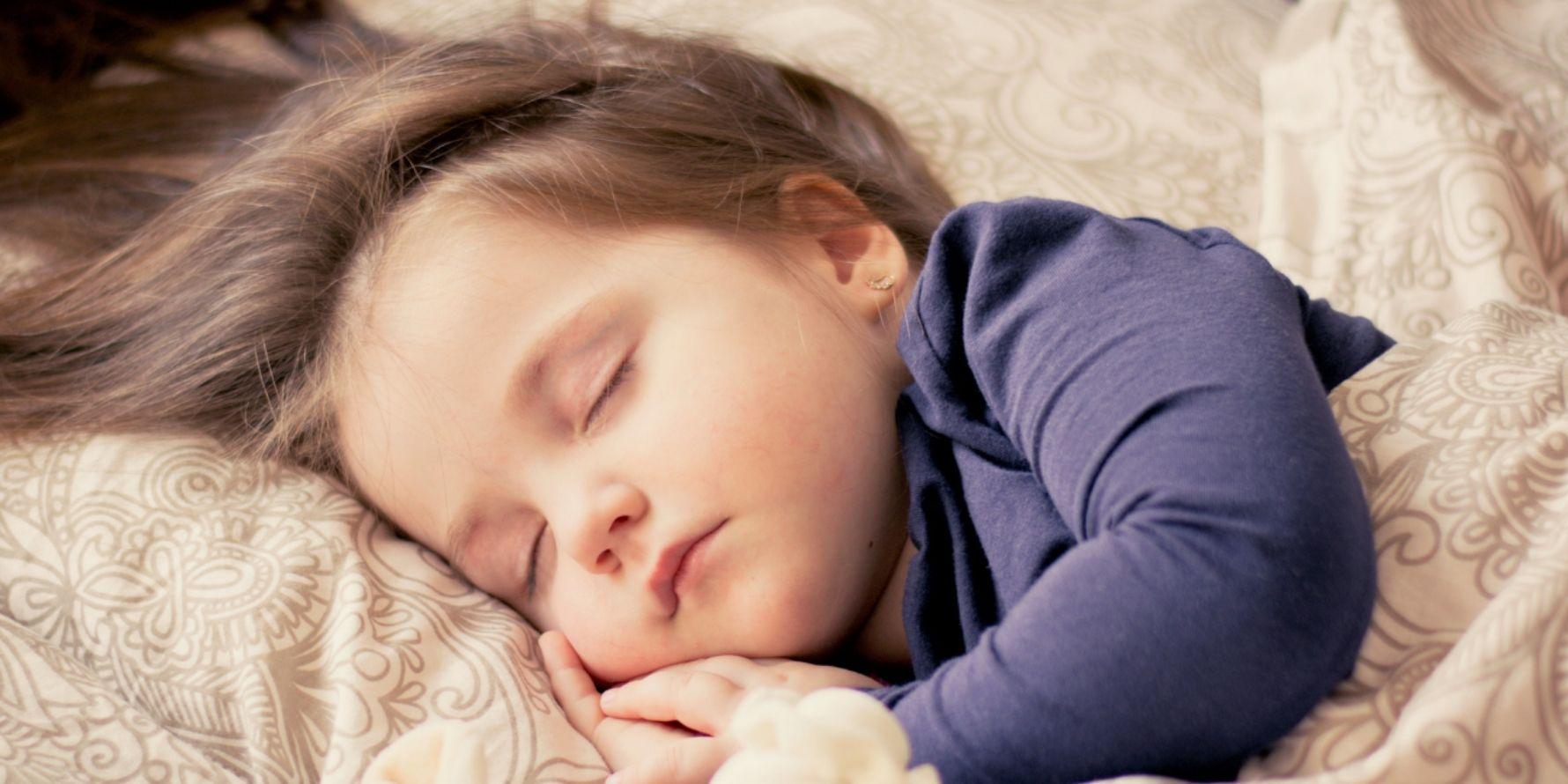 Kako pomagati otroku zaspati
