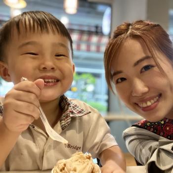 Babysitting job in Singapore: babysitting job Vanda