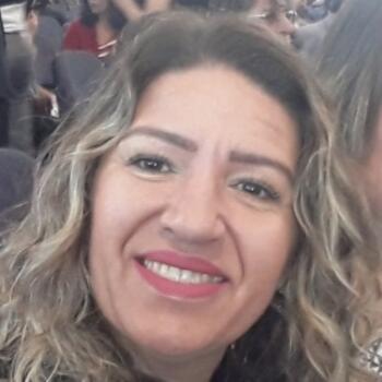Babá em Balneário Camboriú: Neiva