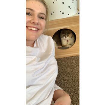 Babysitter Queenstown: Lucy