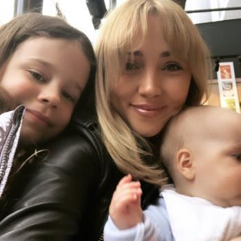 Babysitter London: Saffron