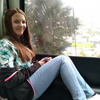 Babysitter Queenstown: Chloe