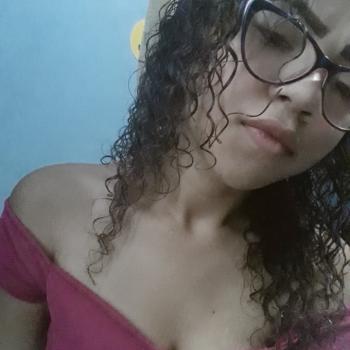 Babysitter Manaus: Beatriz