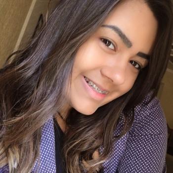 Babysitter Fortaleza: Bruna Marina