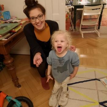 Babysitter London: Adrienne