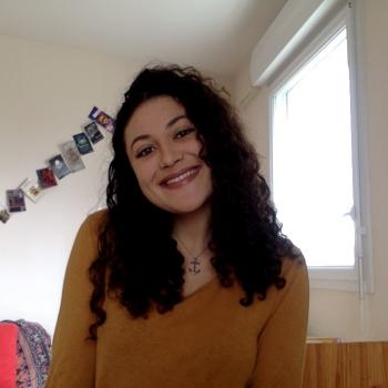 Babysitter Cardiff: Tania