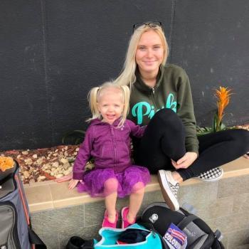 Babysitter Niagara Falls: Lydia