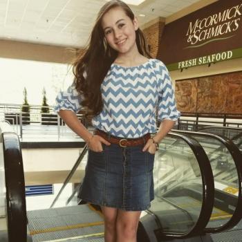 Babysitter Raleigh: Emily