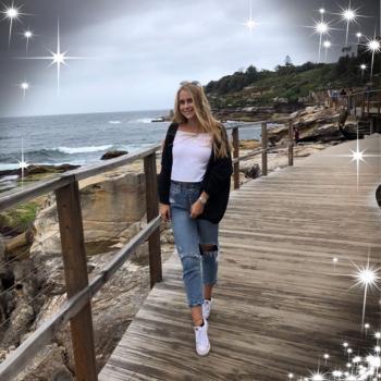 Nanny Townsville: Lea