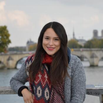Nanny Paris: Paola