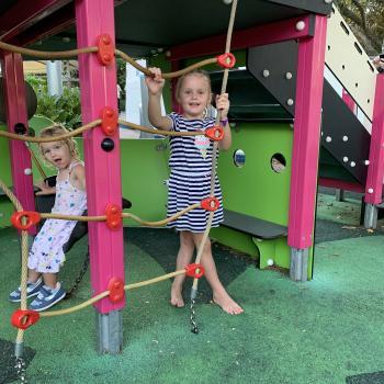 Babysitting job Brisbane: babysitting job Mel