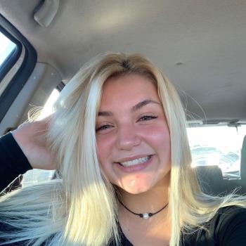 Babysitter Lovington: Caitlin