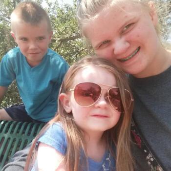 Babysitter in Wilmington: Kaci