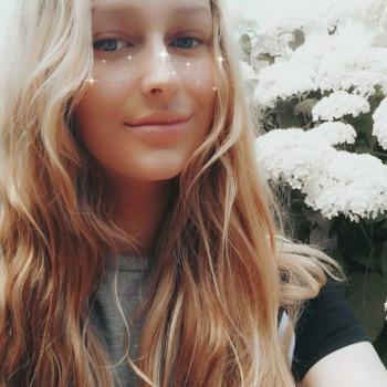 Babysitter in Norrköping: Rebecca