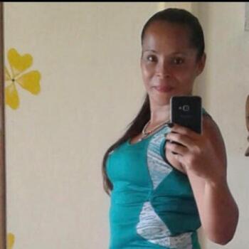 Niñera en San José: Yesenia