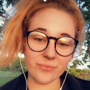 Babysitter in Northampton: Maddi