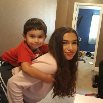 Babysitter Modesto: Liliana