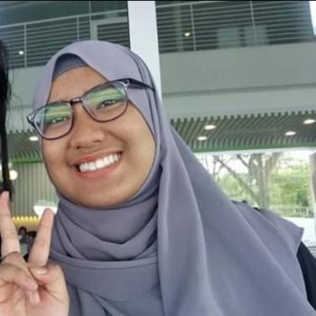 Babysitter Singapore: Amirah