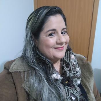 Babysitter Joinville: Flavinha