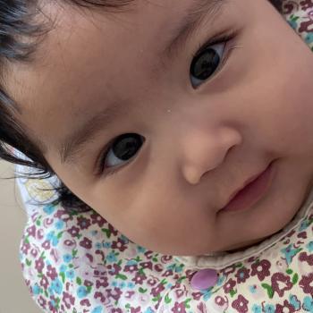 Babysitting job in Singapore: babysitting job Axil