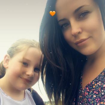 Babysitter An Muileann gCearr: Denise