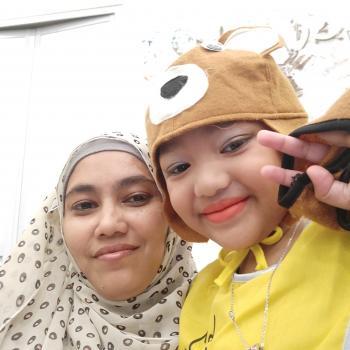 Babysitter Singapore: Hazlina