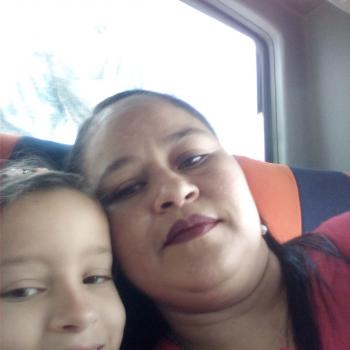 Babysitter Marinilla: Yucendi