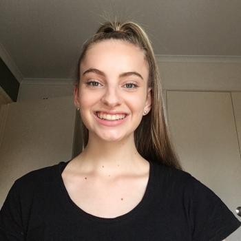 Babysitter Townsville: Isabella