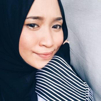 Babysitter Singapore: Zahirah